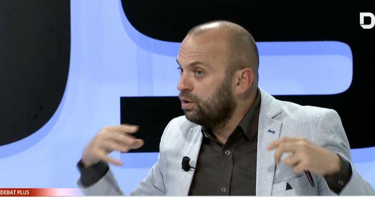 Mushkolaj: Dorëheqja e kryetarëve serbë të komunave veriore, momentum i ri në Kosovë (Video)