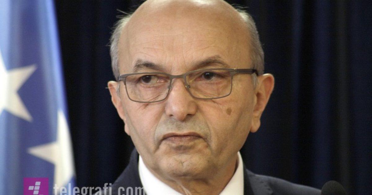 Mustafa për dorëheqjet në veri: Duhet të mblidhet Qeveria dhe Kuvendi