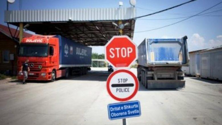 Lirohen mallrat serbe që kanë hyrë në Kosovë para taksës 100%