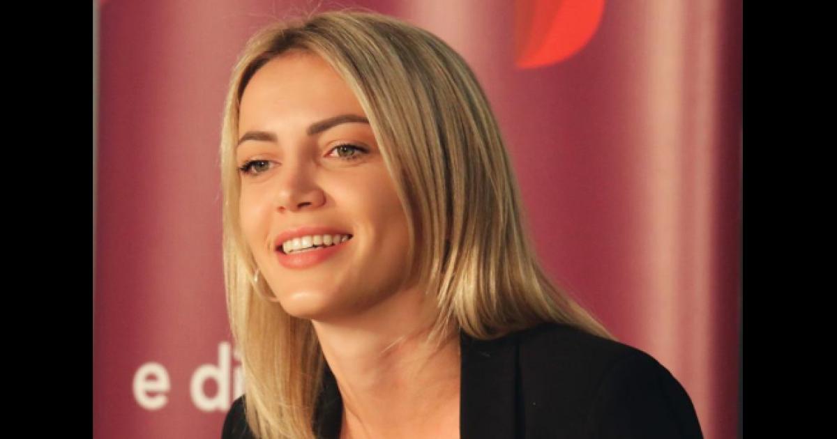 Zyrtarja e PSD-së hedhë dyshime për mungesën e Albin Kurtit në seancën kundër Thaçit