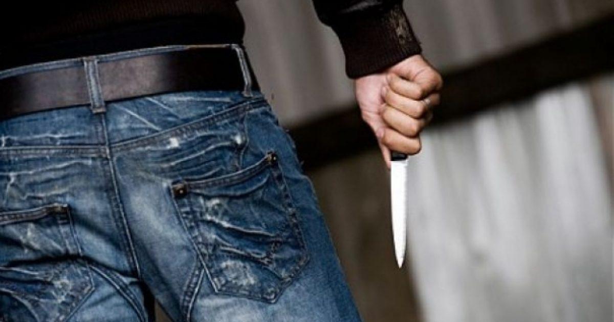 Therje me thikë në një lokal në Pejë
