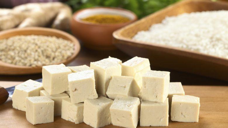 """Çka është tofu (dhe si ta bëni """"të ngrënshëm"""")"""