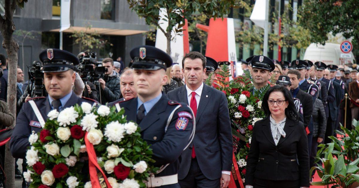 Veliaj në festën e Çlirimit të Tiranës: E kemi në dorë ta ndërtojmë qytetin