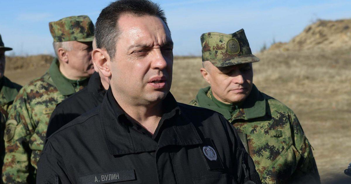 Vulin: Ushtria serbe e gatshme t'i mbrojë serbët në Kosovë