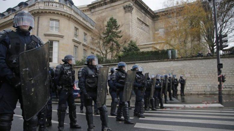 Franca në ankth nga protestat e reja të dhunshme, 89 mijë policë do të shpërndahen në gjithë vendin