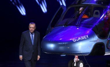 """Turqia bëhet me fluturake të re moderne, Erdogan prezanton me krenari helikopterin e ri ushtarak """"Gokbey"""" (Foto/Video)"""