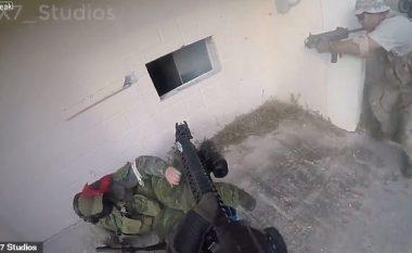 Vetëm një sekondë para se të shpërthej, kapë granatën dhe e hedh nga dritarja (Video)