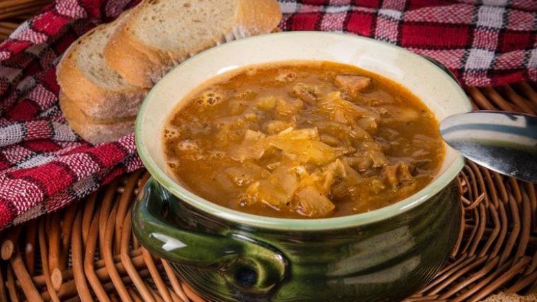 Mish me lakra në mënyrën tradicionale: Gjella më e mirë nga lakrat!
