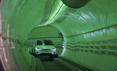 Musk zgjidh problemin e trafikut të dendur, prezanton tunelin në të cilin veturat mund të lëvizin me 240 km/h (Video)