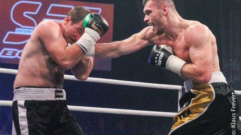 Uldedaj synon titullin kampion bote në WBO Junior, bokson në Tiranë me argjentinasin Arganaraz