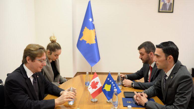 Investitorët kanadez të interesuar për sektorin mineral të Kosovës