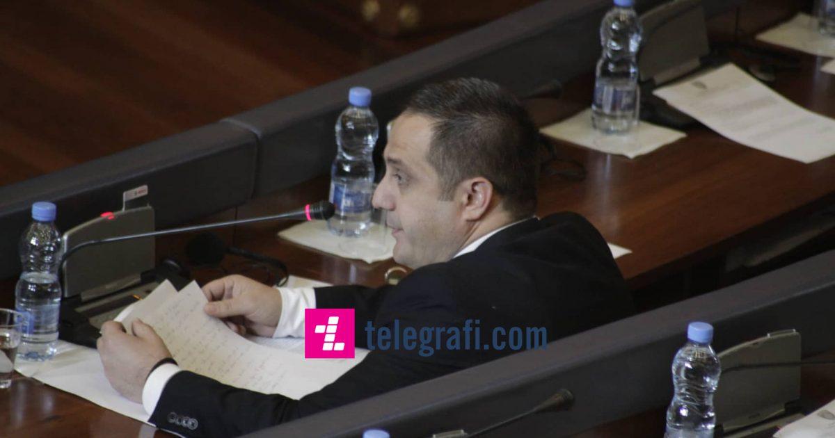 Selmanaj: Shkaku i Kadri Veselit u largova nga puna