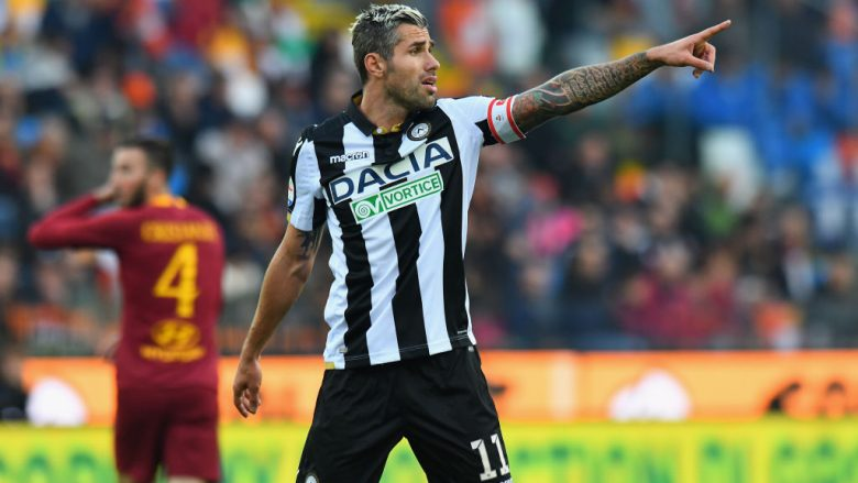 UDINE, ITALY - NOVEMBER 24: Valon Behrami of Udinese Calcio gestures during the Serie A match between Udinese and AS Roma at Stadio Friuli on November 24, 2018 in Udine, Italy.  (Photo by Alessandro Sabattini/Getty Images)