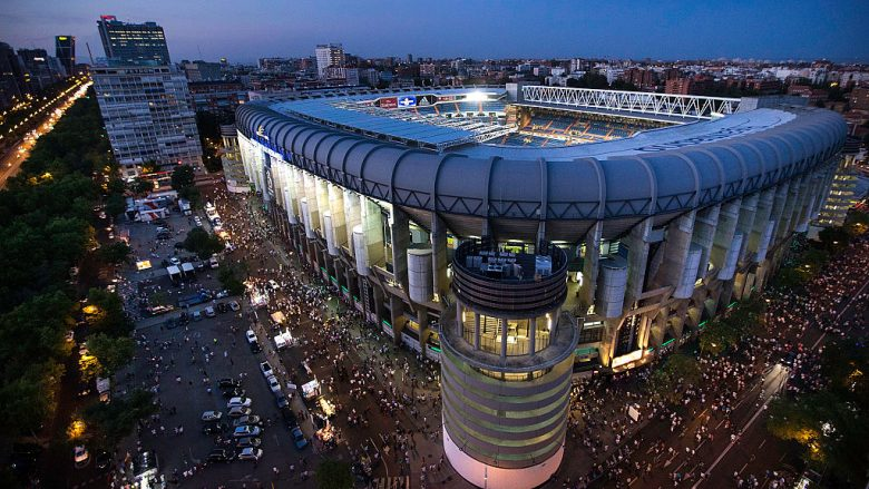 MADRID, SPAIN - AUGUST 29:  General view of Estadio Santiago Bernabeu before the La Liga match between Real Madrid CF and Real Betis Balompie on August 29, 2015 in Madrid, Spain.  (Photo by Gonzalo Arroyo Moreno/Getty Images)