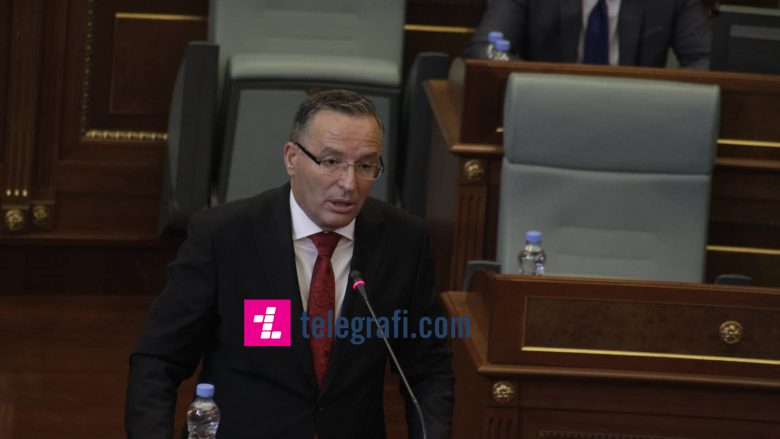 Ministri Hamza thotë se ka rënie të qytetarëve që kërkojnë punë