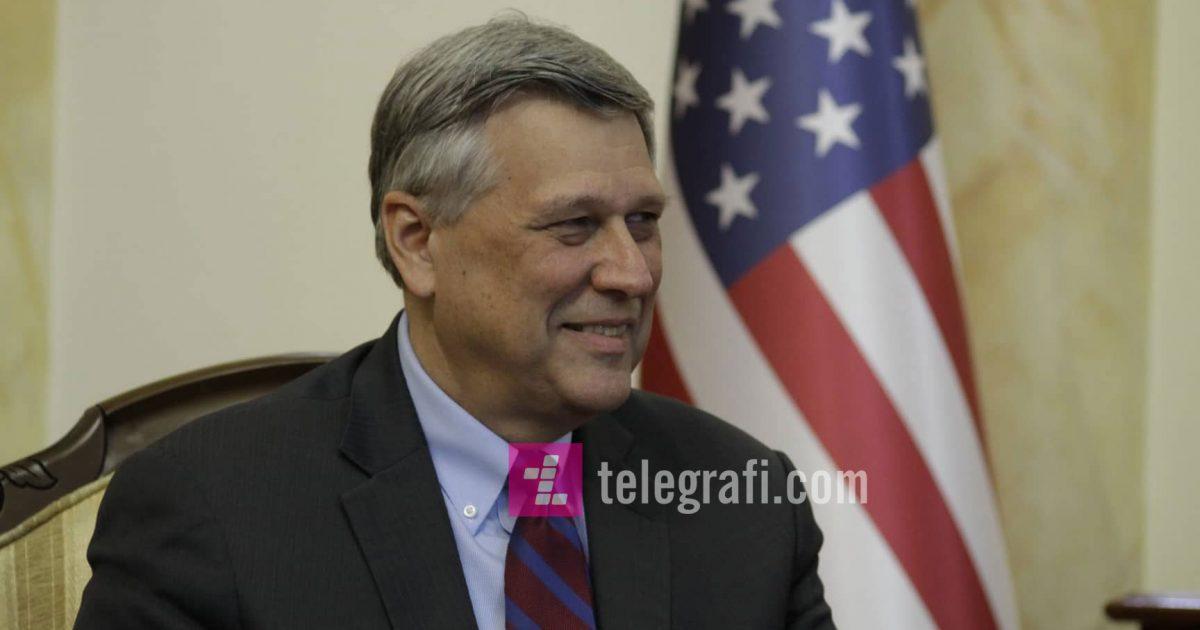 Ambasadori amerikan përgëzon Kuvendin për miratimin rezolutës për dialogun me Serbinë
