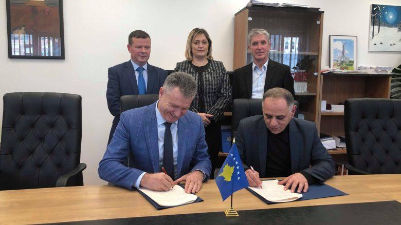 Koordinatori Hoti nënshkruan memorandum me kryetarin e Hanit të Elezit