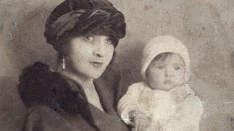 Ambasadori gjerman në Tiranë, më 1926: Dy motra myslimane, pa ferexhe e me fustane të shkurta, vallëzuan në publik!