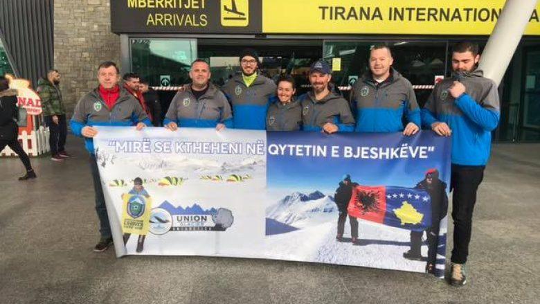 Pas betejës me të ftohtit dhe ngujimit në Antarktik, alpinistët shqiptarë arrijnë në Tiranë