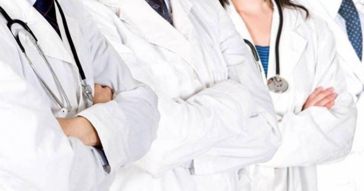 Ministria e Shëndetësisë thotë se është e përkushtuar për rritjen e pagave të punëtorëve shëndetësorë
