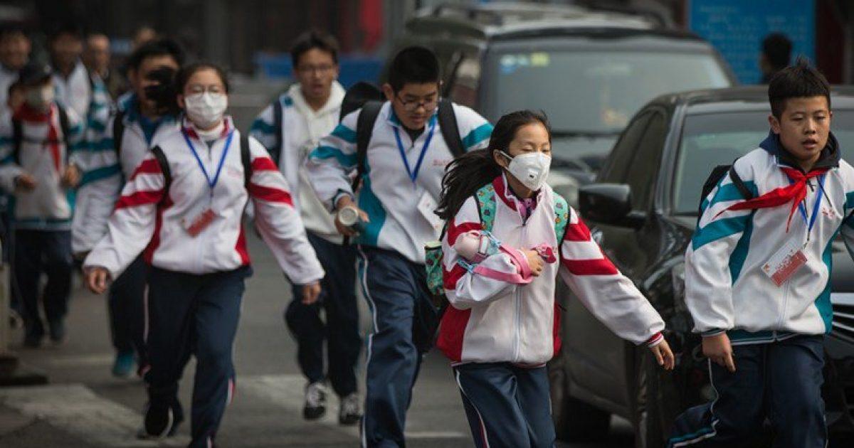 """""""Uniformat e mençura"""" kineze që ndjekin fëmijët në shkollë dhe jashtë saj – prindërit shohin gjithçka përmes pamjeve"""