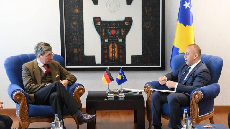 Haradinaj takon përfaqësuesit e GIZ-it gjerman: Ngritja e cilësisë në arsim, prioritet i qeverisë