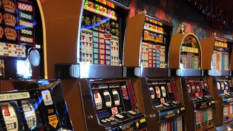Lëvizja Anti-bixhoz alarmon se ka fëmijë nëpër kazinotë e Maqedonisë