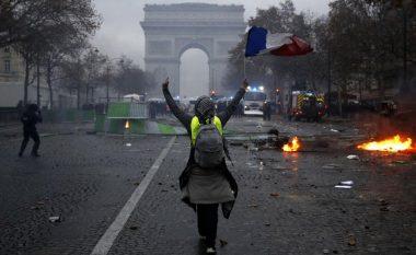 135 të lënduar gjatë protestave në Francë