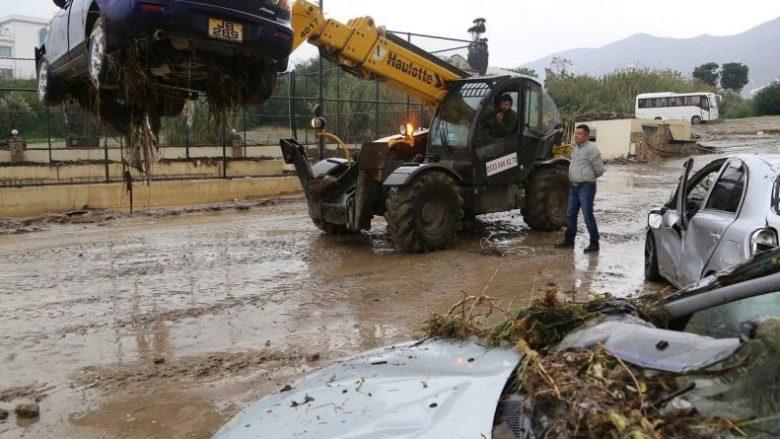 Valë përmbytjesh katastrofike në Qipro (Video)