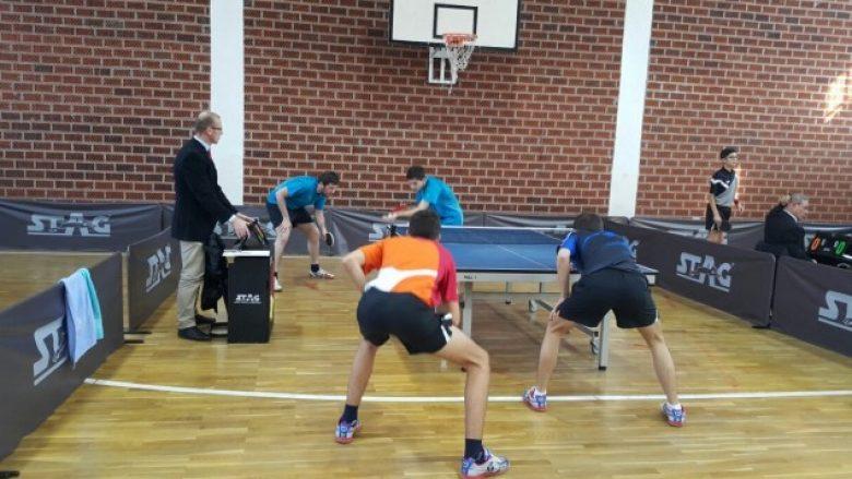 Kreshnik Mahmuti dhe Alma Mehmeti janë kampionët e parë U-21 në pingpong