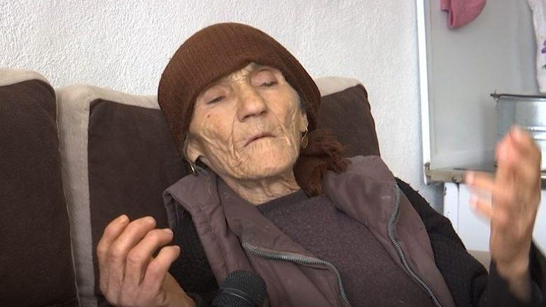 Gruas që i ranë djali dhe burri dëshmorë në luftë i ndalet pensioni për faturat e rrymës (Video)