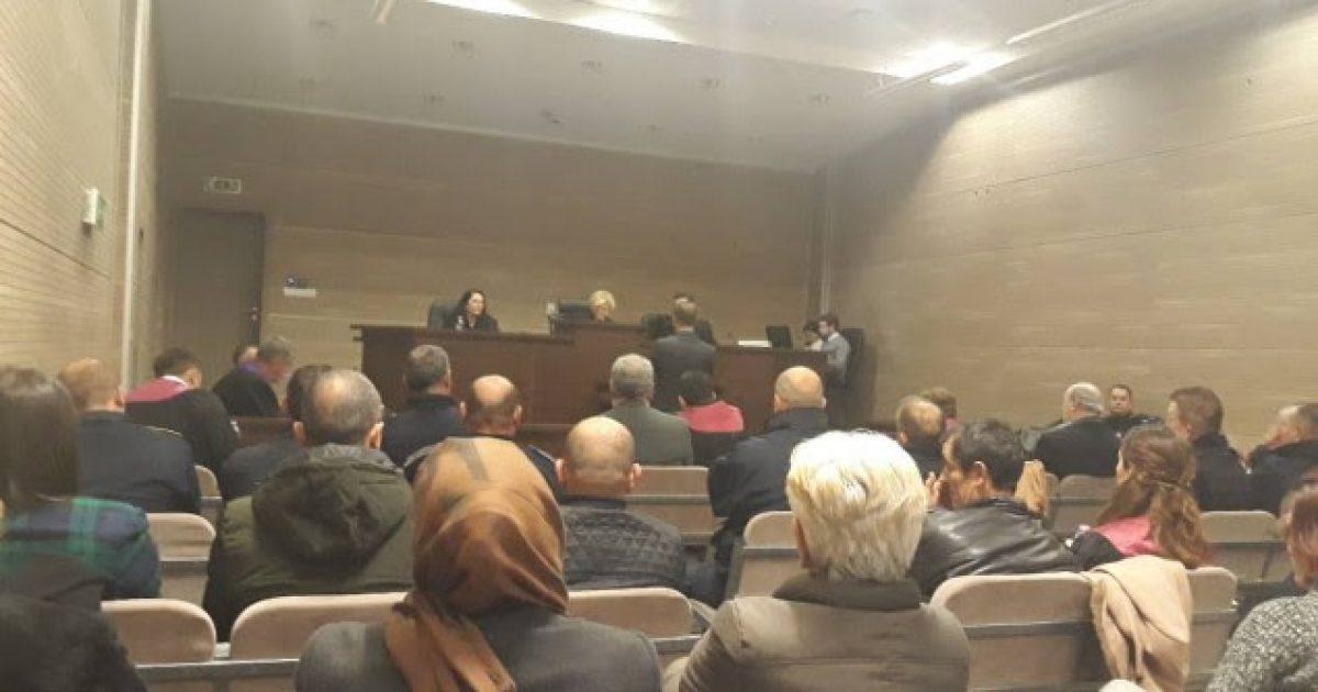 Thaçi flet për sekretet shtetërore, kërkon nga trupi gjykues që publiku të përjashtohet nga salla