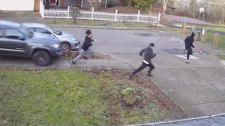 Godet me veturë adoleshentët, policia amerikane kërkon autorin e kësaj vepre të shëmtuar (Video, +18)