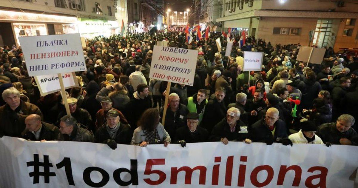 Serbët e komunave veriore të Kosovës do të organizojnë protestë kundër pushtetit aktual në Serbi, organizatori kërcënohet me jetë (Foto)