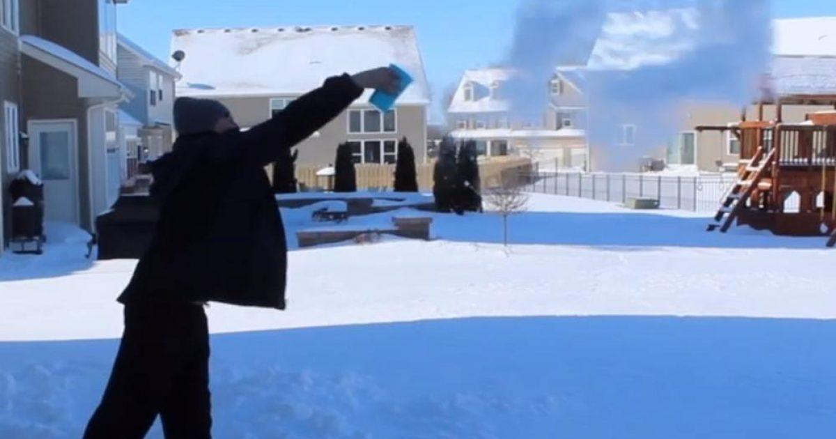 Magjia siberiane në Çikago, hedh ujin e nxehtë në ajër në – 50 gradë celsius – brenda sekondës shndërrohet në akull (Video)