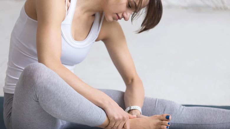 Pesë këshilla praktike për femrat që kanë këmbë delikate