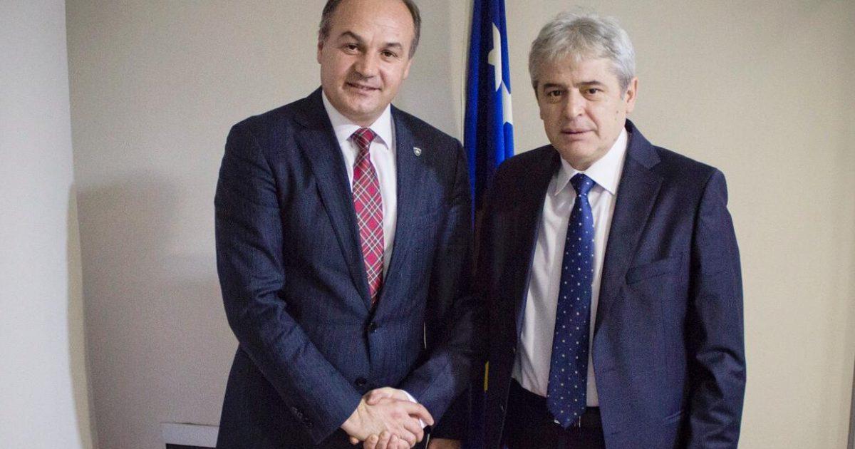 Hoxhaj: Edhe një lajm i mirë, gjuha shqipe bëhet gjuhë zyrtare në Maqedoninë e Veriut