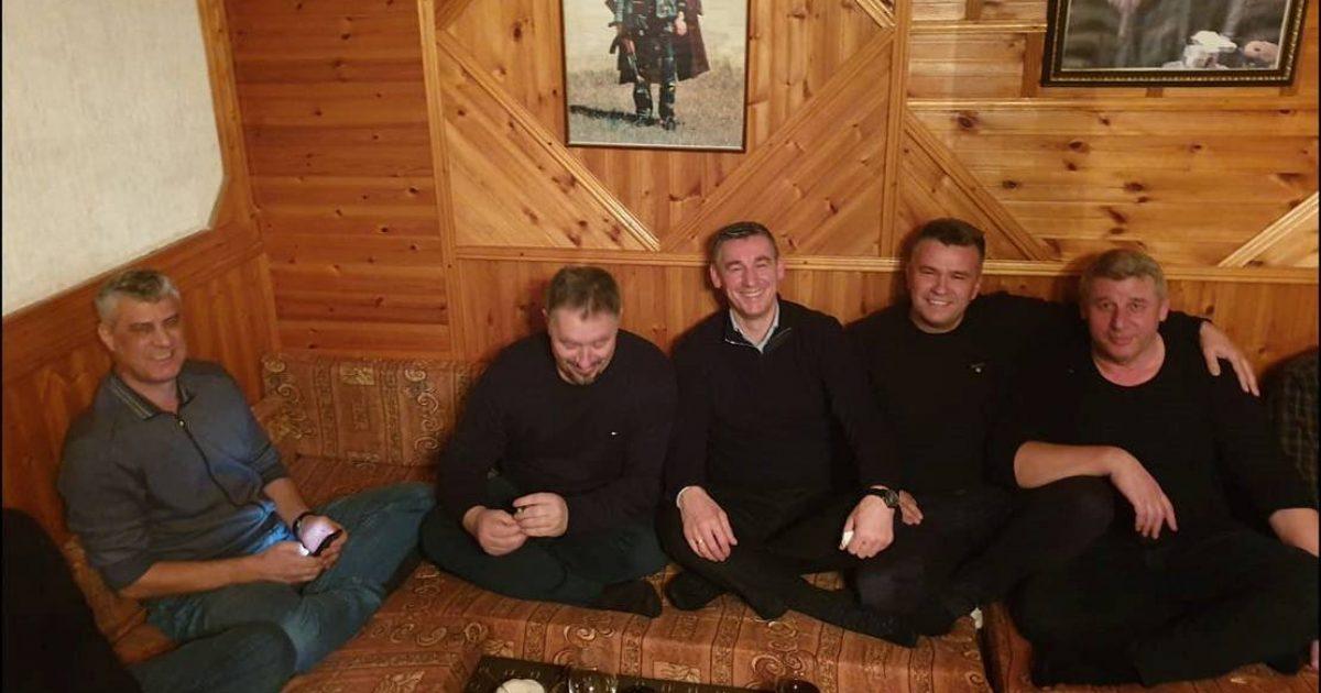 Thaçi, Veseli e Lushtaku mblidhen në Burojë, festojnë lirimin e Sylejman Selimit