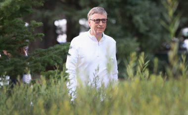 Ora 10 dollarëshe që mban në dorë, përkujdesja për pemën e preferuar, veturat luksoze,...: Ja si i shpenzon paratë Bill Gates