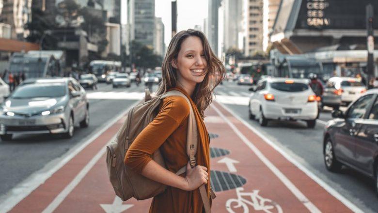 Ata që jetojnë jashtë vendlindjes zbulojnë gjëra të reja për veten dhe kanë më pak stres
