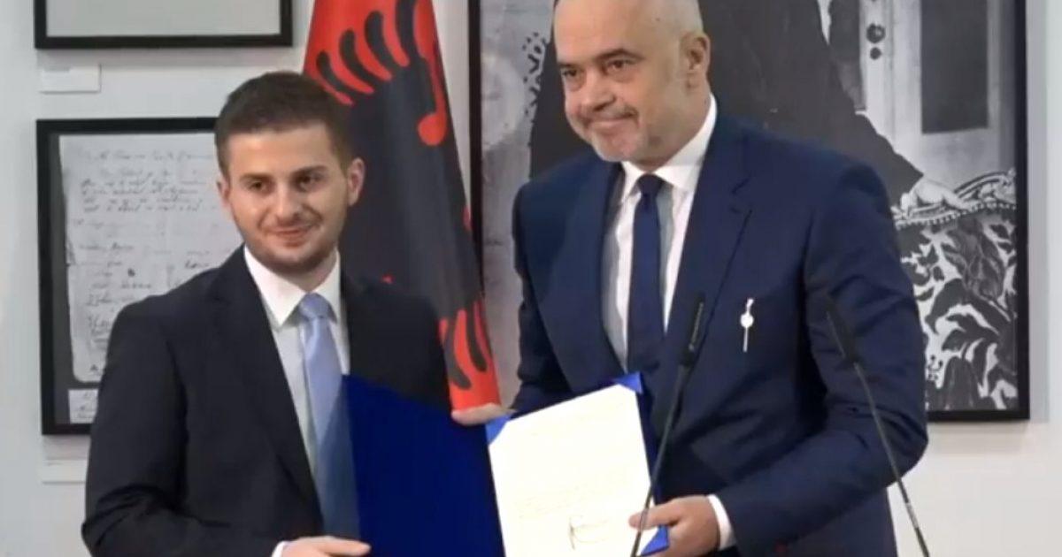 Edi Rama ia delegon drejtimin e Ministrisë së Jashtme të Shqipërisë, Gent Cakajt (Video)
