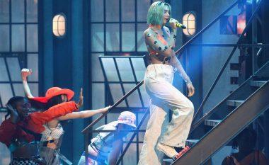 Dua Lipa, e vetmja femër në mesin e 10 albumeve më të shitura në Mbretërinë e Bashkuar