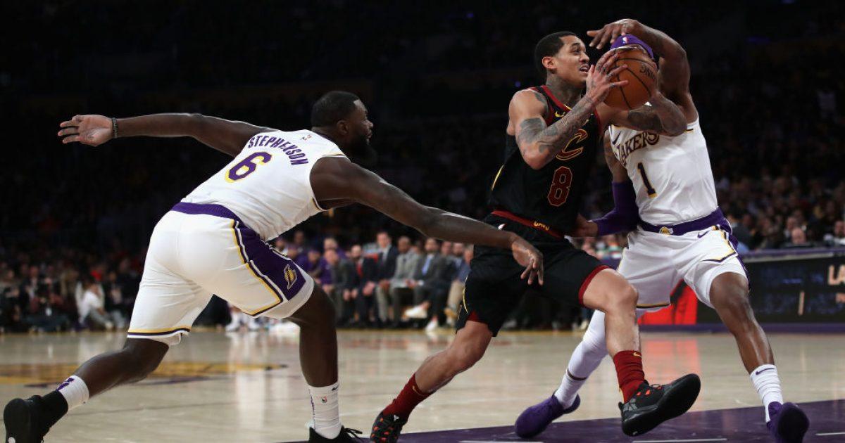 Lakers befasohen në shtëpi nga Clevelandi, kampioni triumfon ndaj Dallasit