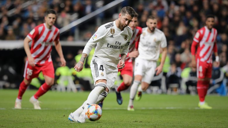 MADRID, SPAIN - JANUARY 24: Sergio Ramos of Real Madrid CF scores the second goal via a penalty shot during the Copa del Rey Quarter Final match between Real Madrid CF and Girona FC at Estadio Santiago Bernabeu on January 24, 2019 in Madrid, Spain. (Photo by Gonzalo Arroyo Moreno/Getty Images)