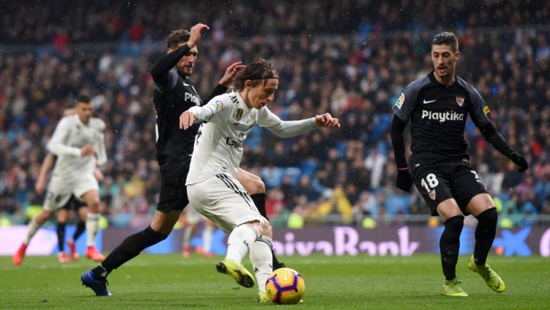 Luka Modric ndaj Sevillas (Foto: Denis Doyle/Getty Images/Guliver)
