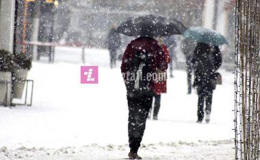Në fundjavë ndryshojnë temperaturat, më ftohtë dhe reshje bore