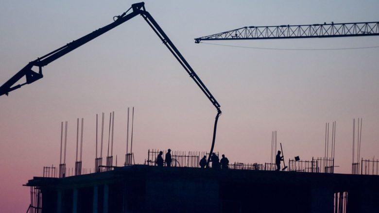 """Rënie """"drastike"""" e investimeve të huaja në Kosovë"""