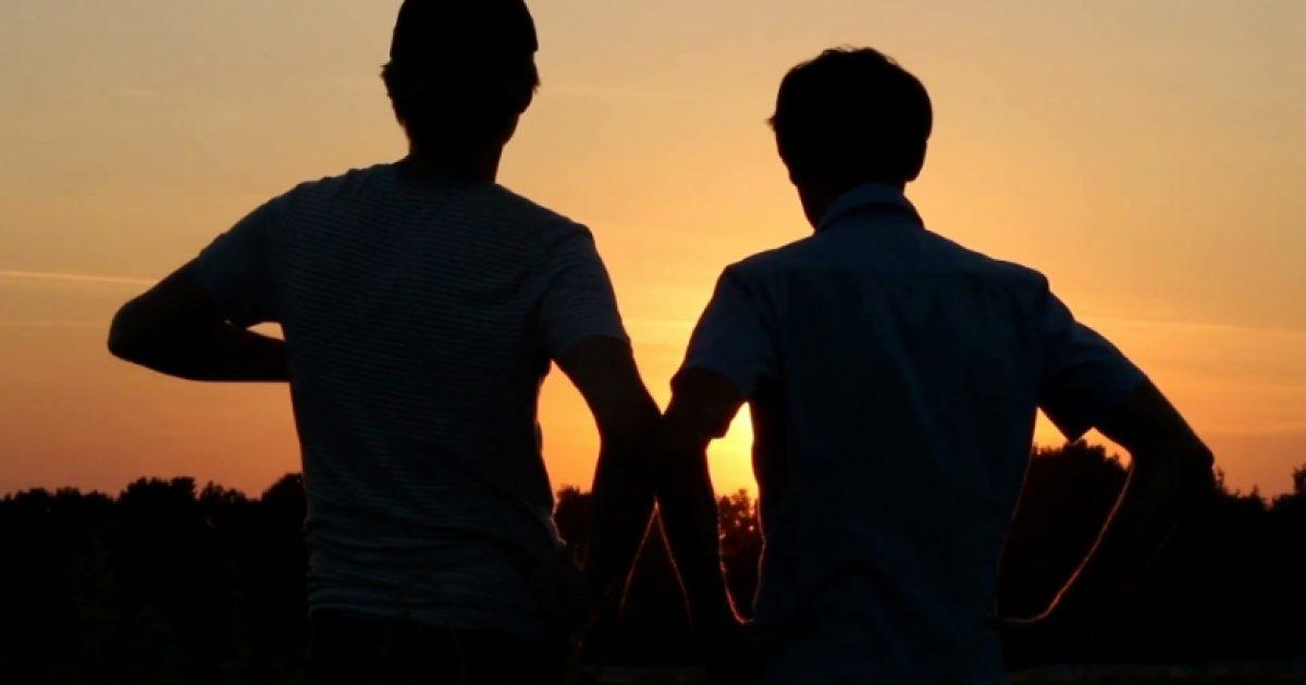 Shenjat që tregojnë se e keni një shok të vërtetë