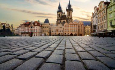 Mbi të ecin miliona turistë në vit: Historia për rrugën me kalldrëm në Pragë, në të cilën fshihet një histori e dhimbjes, vuajtjes dhe gjenocidit (Foto)