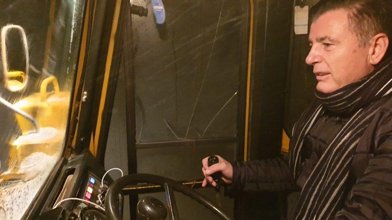 Bahtiri vet voziti kamionin dhe pastroi rrugët e Mitrovicës (Video)